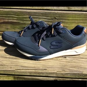 "Skecher's ""Smooth Moves"" Sz 9.5 NWOB"